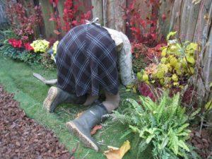 Die richtige Kleidung für die Gartenarbeit